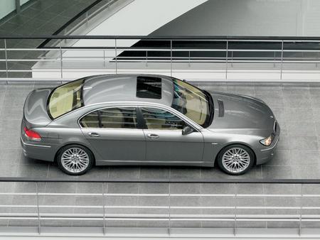 宝马汽车内部结构透视图