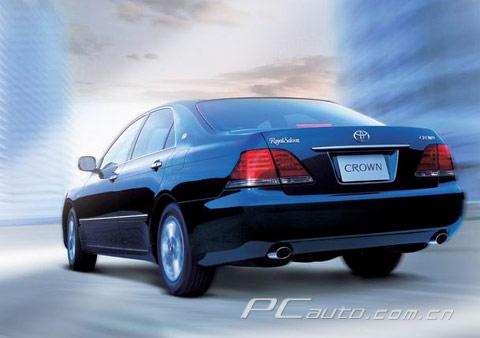 别克荣御、丰田皇冠等高档轿车,都采用了后轮驱动.可是,奥高清图片