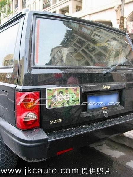 迷彩jeep高清图片