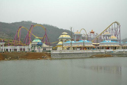 宁波凤凰山主题公园有亚洲第一世界过山车